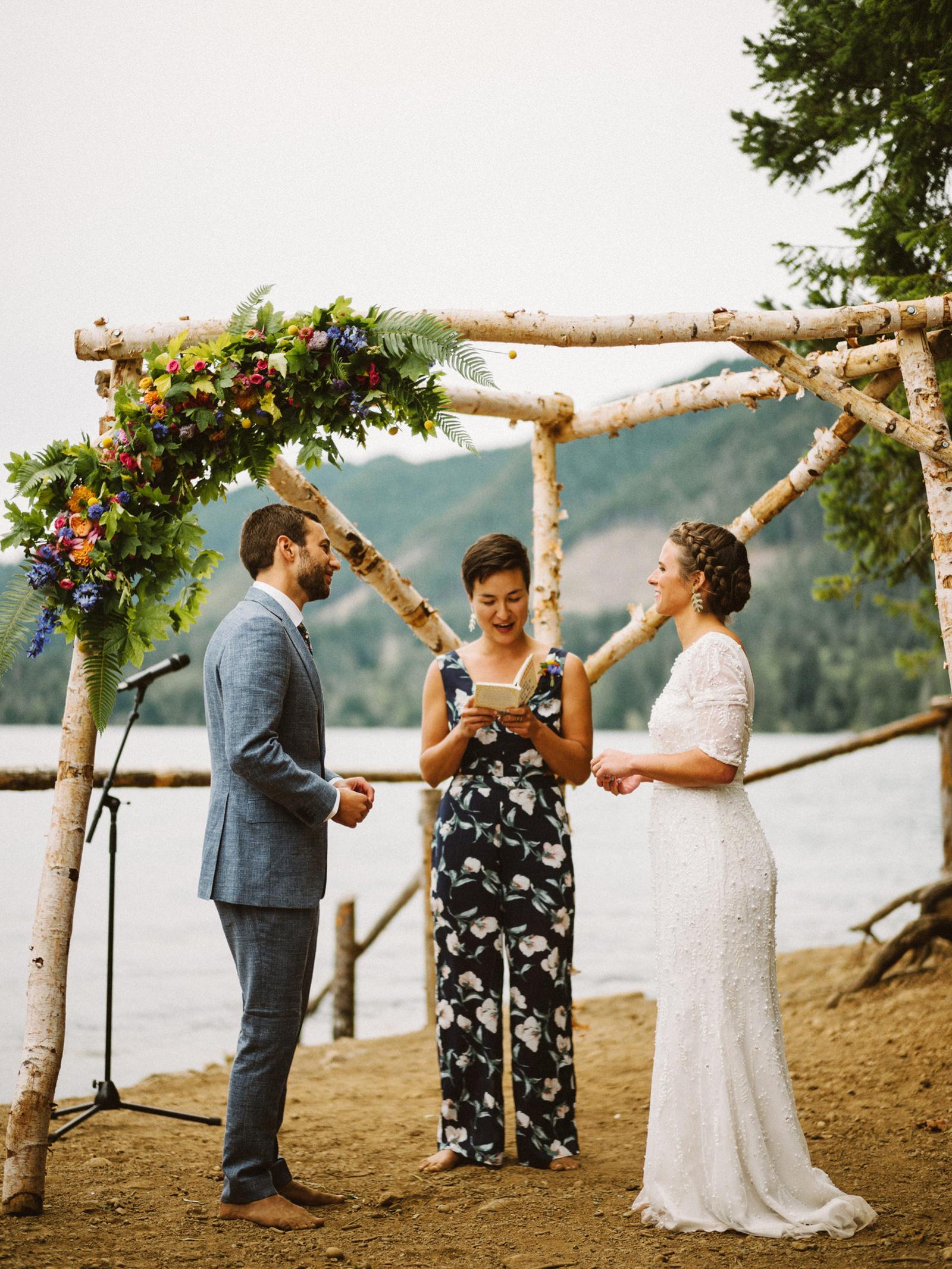 zanny-noah-079 LAKE CUSHMAN WEDDING