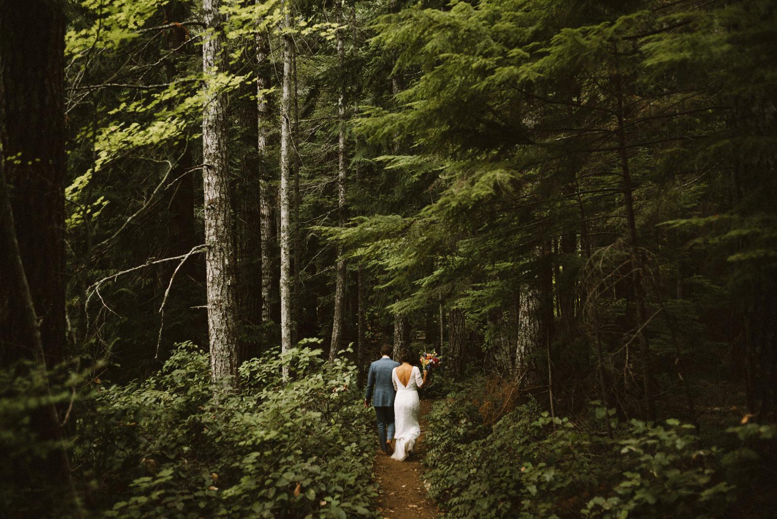 zanny-noah-089 LAKE CUSHMAN WEDDING