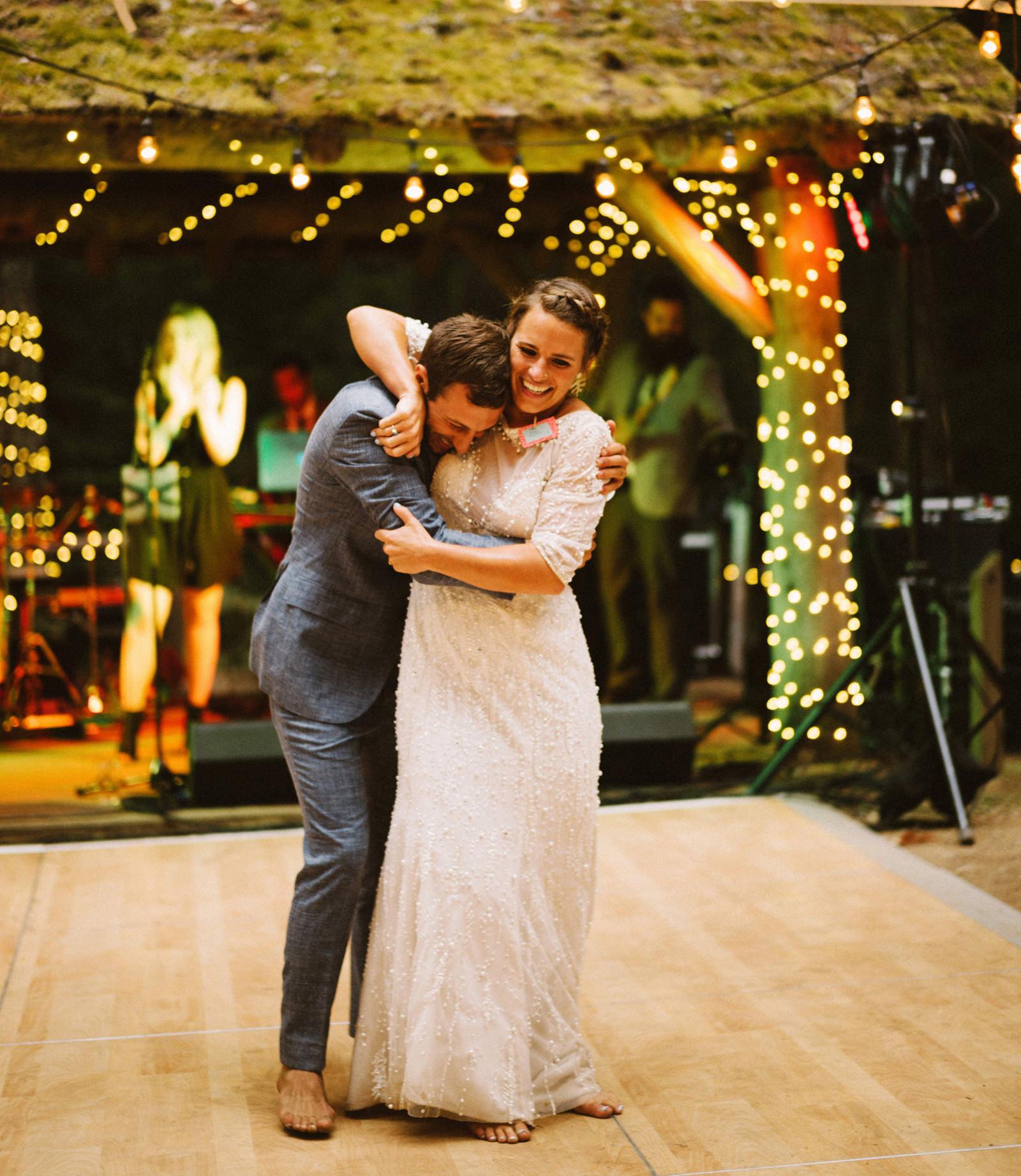 zanny-noah-118 LAKE CUSHMAN WEDDING