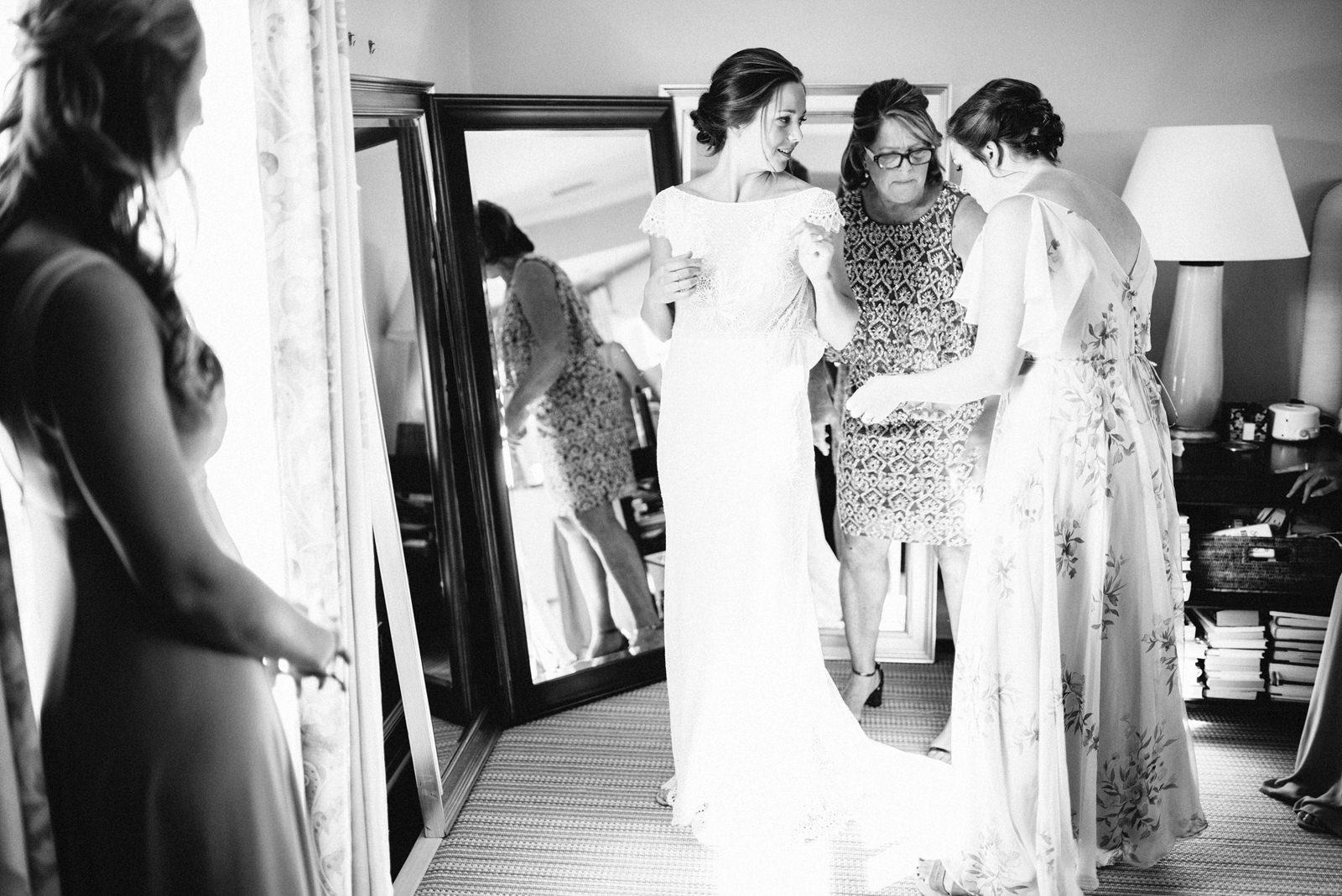 bridgeport-wedding-024 BRIDGEPORT, CONNECTICUT BACKYARD WEDDING