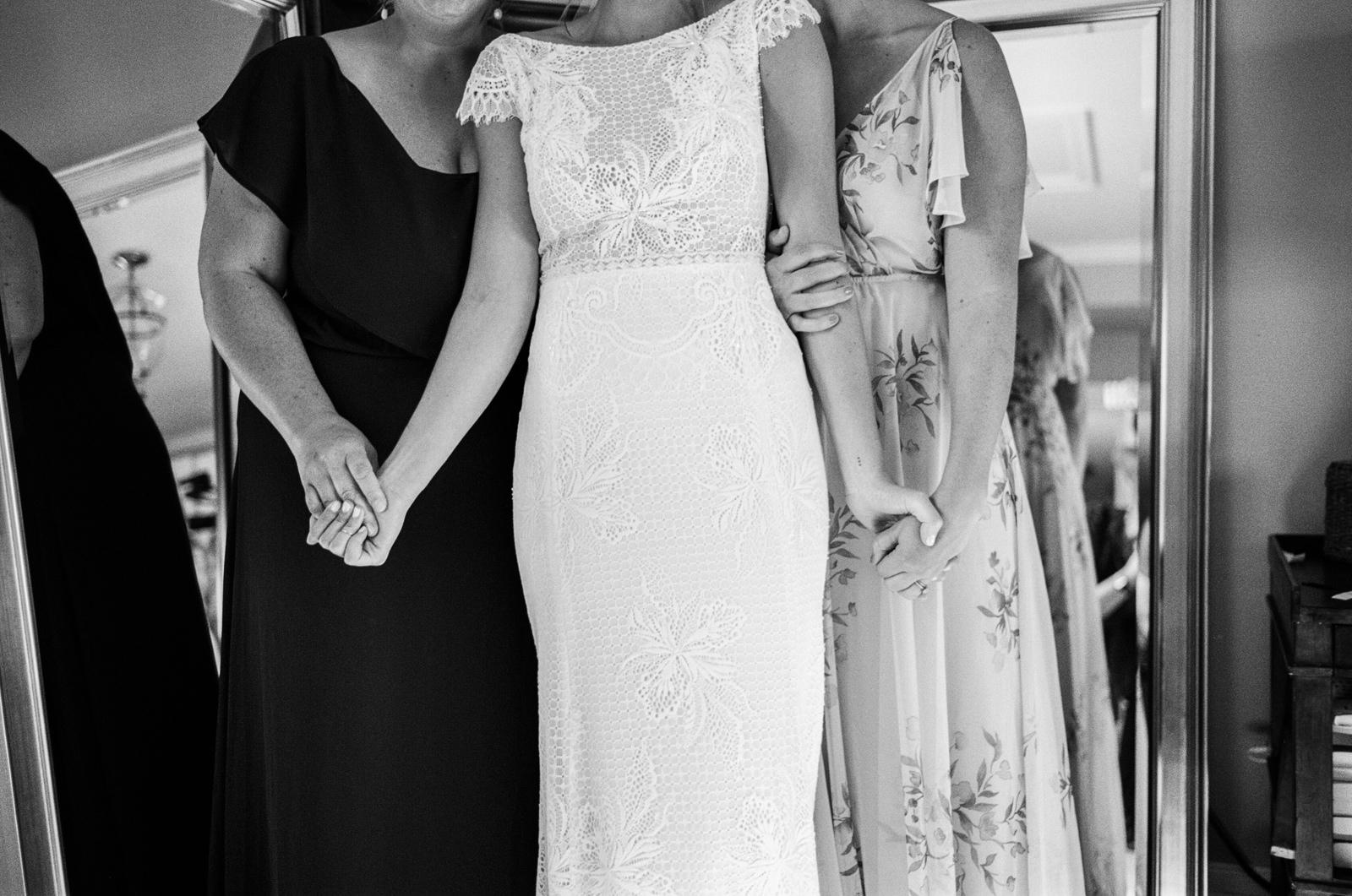 bridgeport-wedding-033 BRIDGEPORT, CONNECTICUT BACKYARD WEDDING
