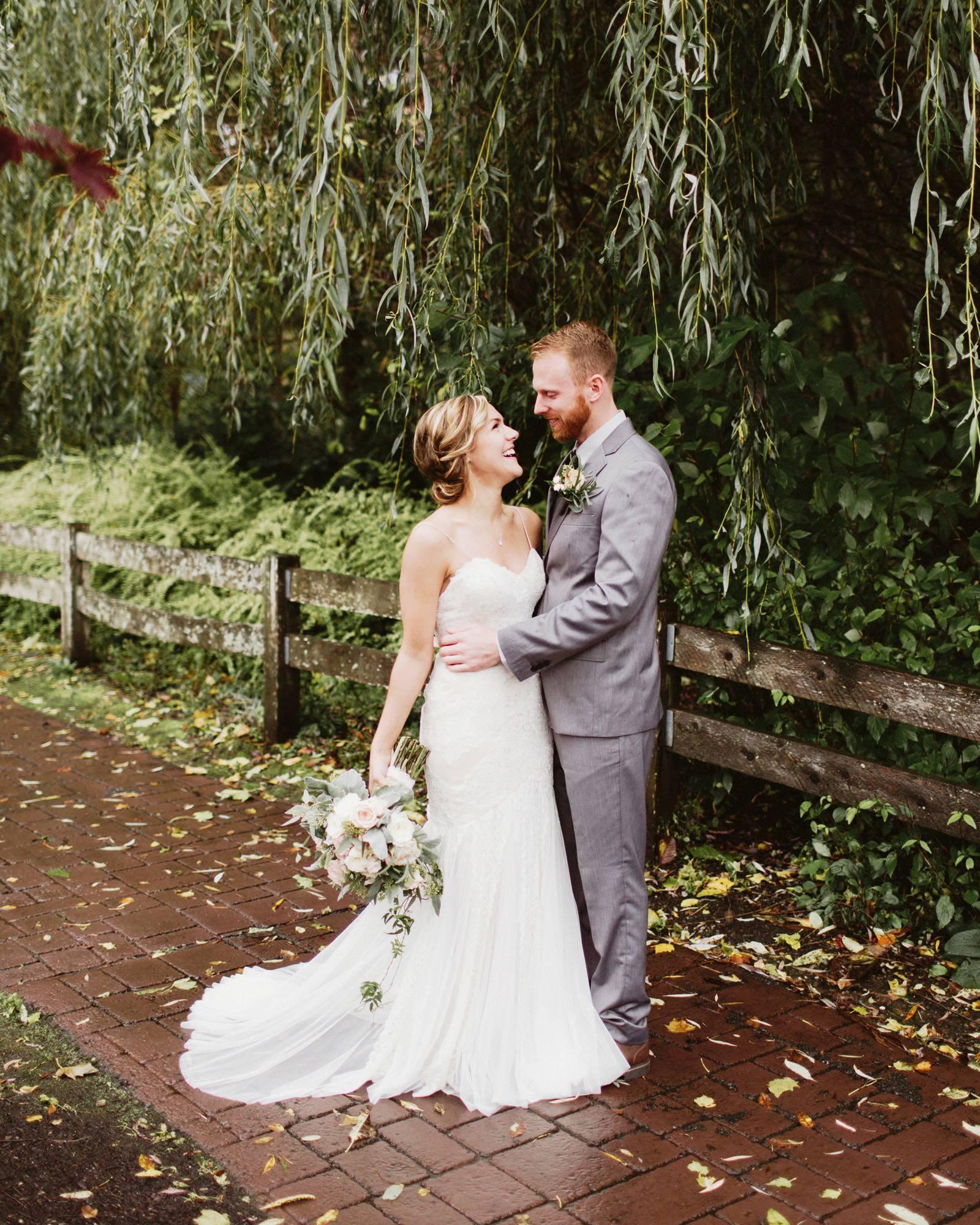 daniel-emily-14 PICKERING BARN WEDDING
