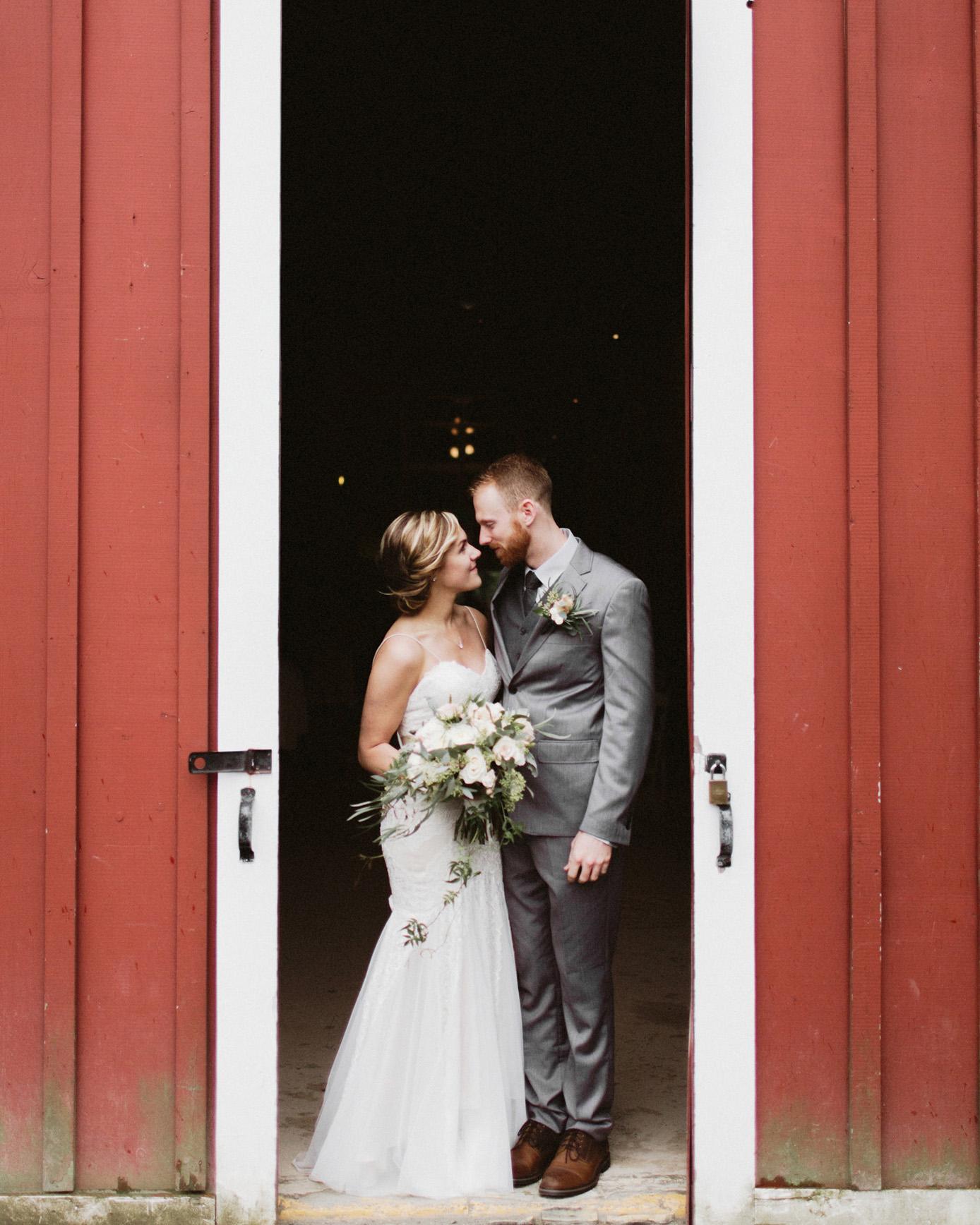 daniel-emily-17 PICKERING BARN WEDDING