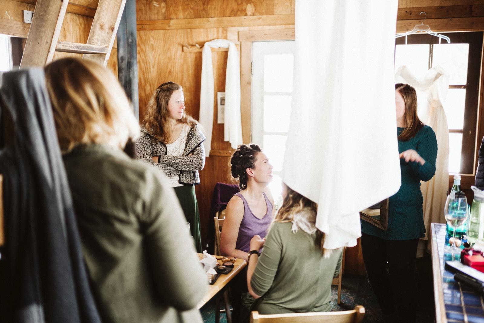 alpine-lakes-high-camp-winter-wedding-08 ALPINE LAKES HIGH CAMP WEDDING