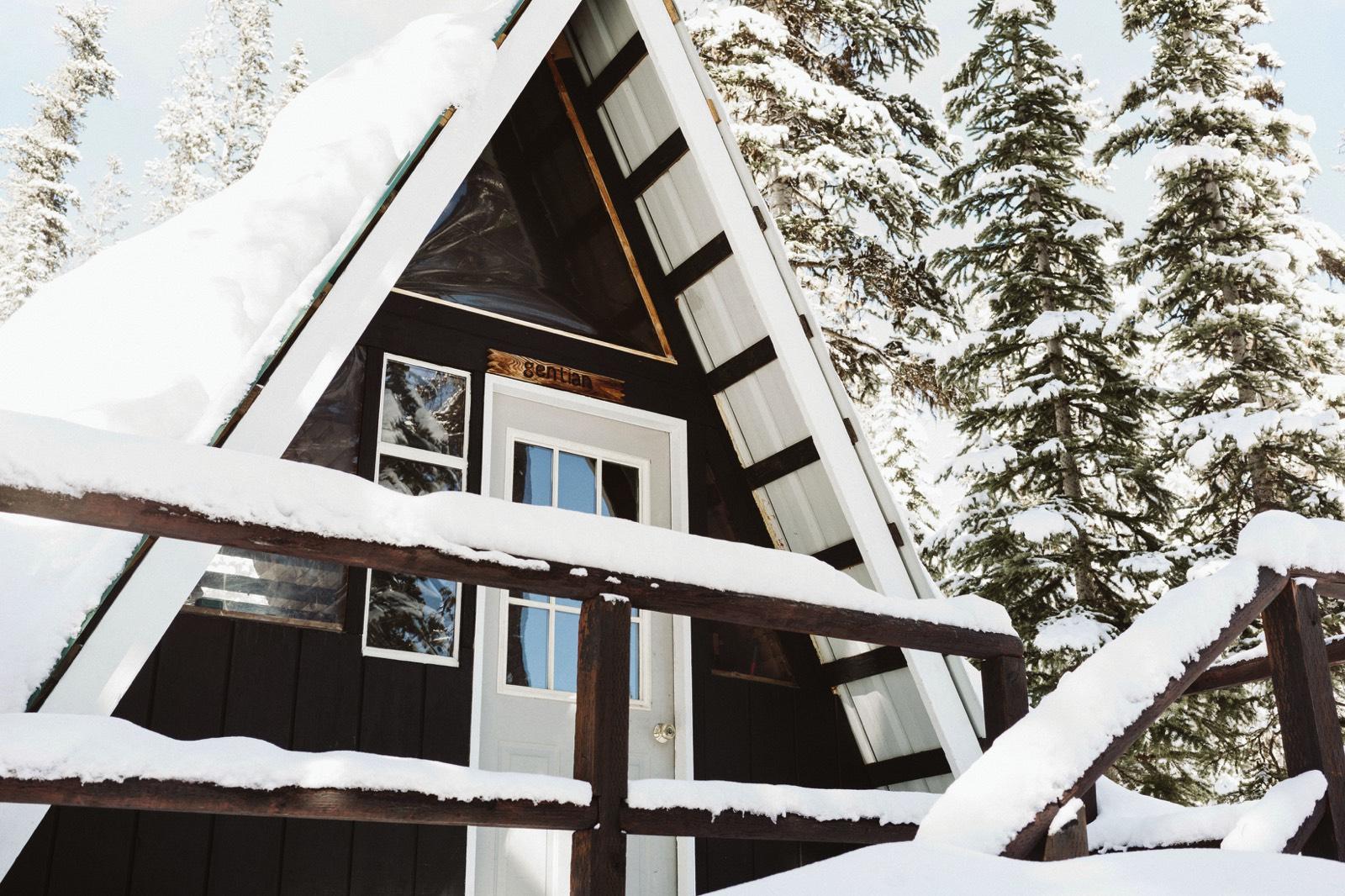 alpine-lakes-high-camp-winter-wedding-13 ALPINE LAKES HIGH CAMP WEDDING