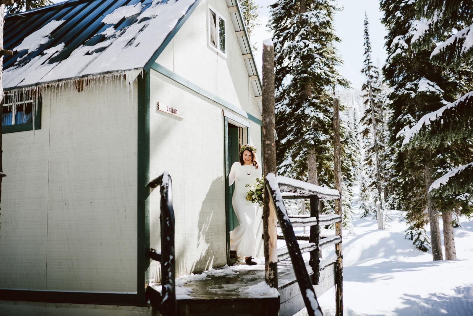 alpine-lakes-high-camp-winter-wedding-15 ALPINE LAKES HIGH CAMP WEDDING