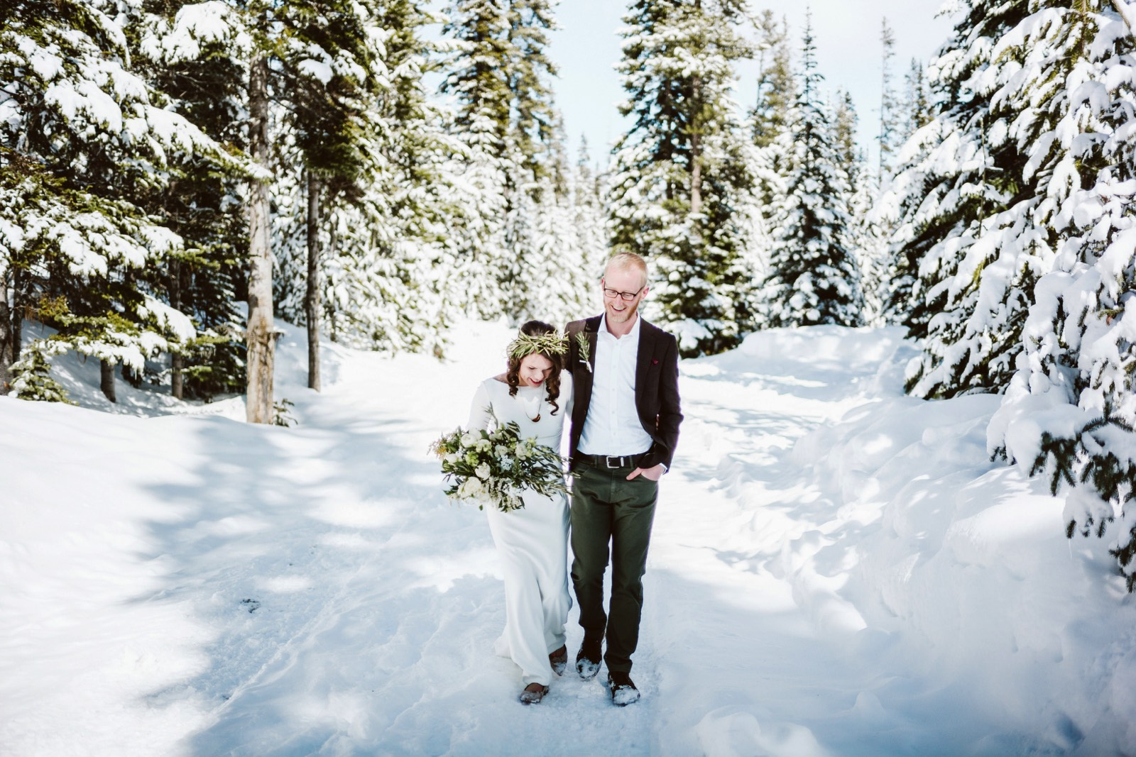 alpine-lakes-high-camp-winter-wedding-21 ALPINE LAKES HIGH CAMP WEDDING