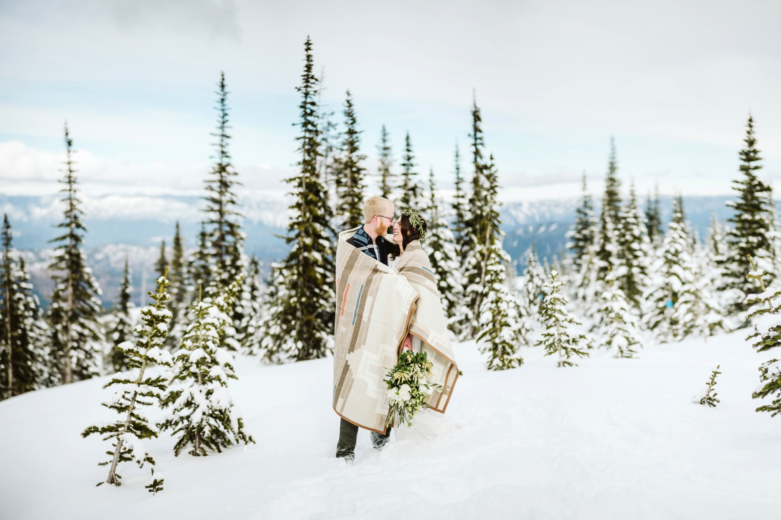 alpine-lakes-high-camp-winter-wedding-62 ALPINE LAKES HIGH CAMP WEDDING