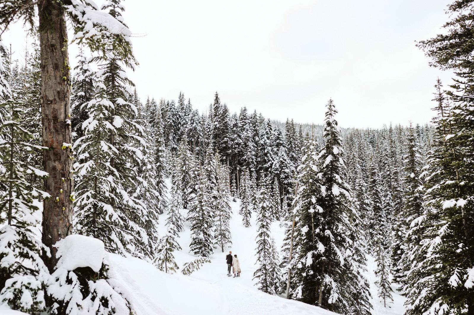 alpine-lakes-high-camp-winter-wedding-64 ALPINE LAKES HIGH CAMP WEDDING
