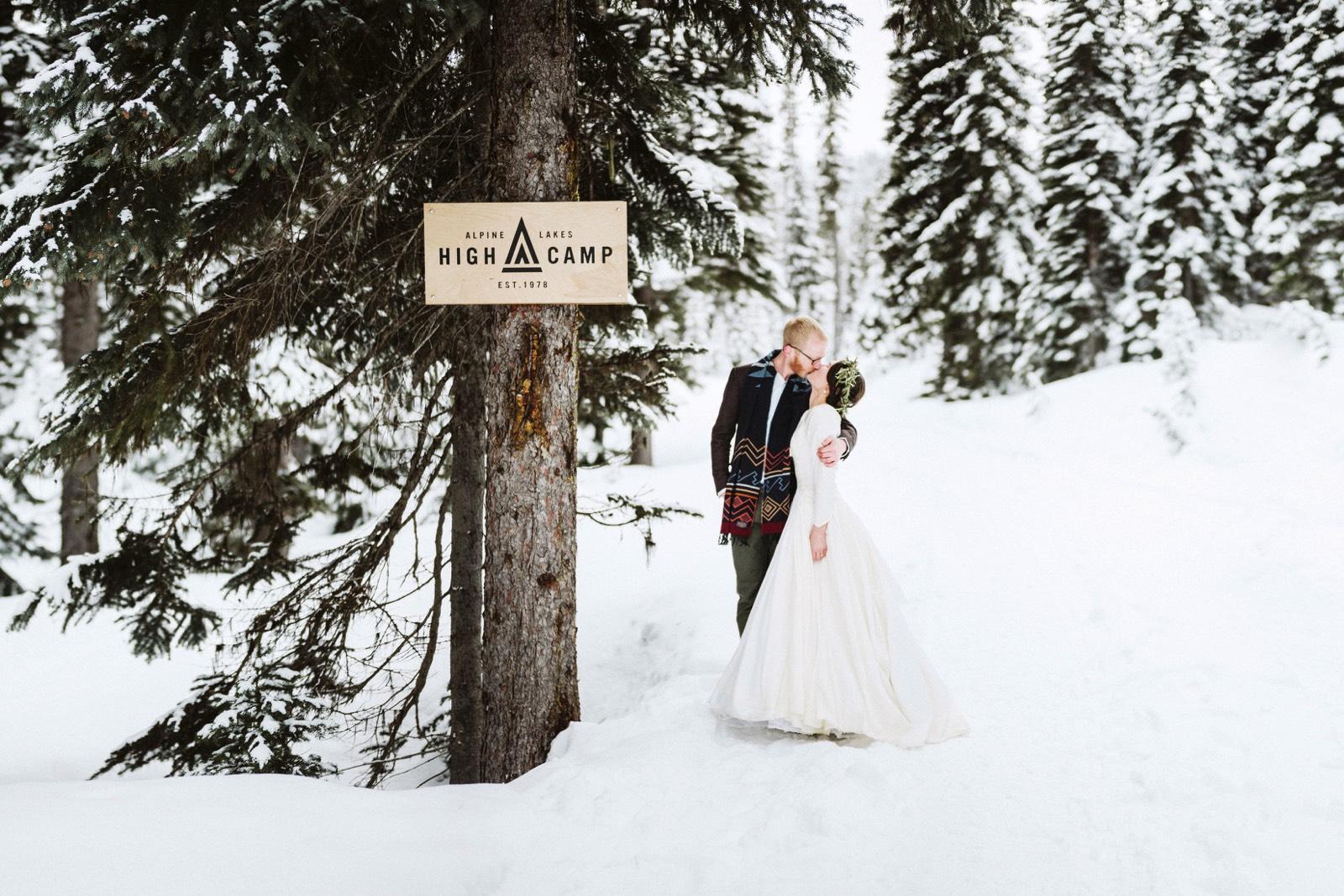 alpine-lakes-high-camp-winter-wedding-73 ALPINE LAKES HIGH CAMP WEDDING