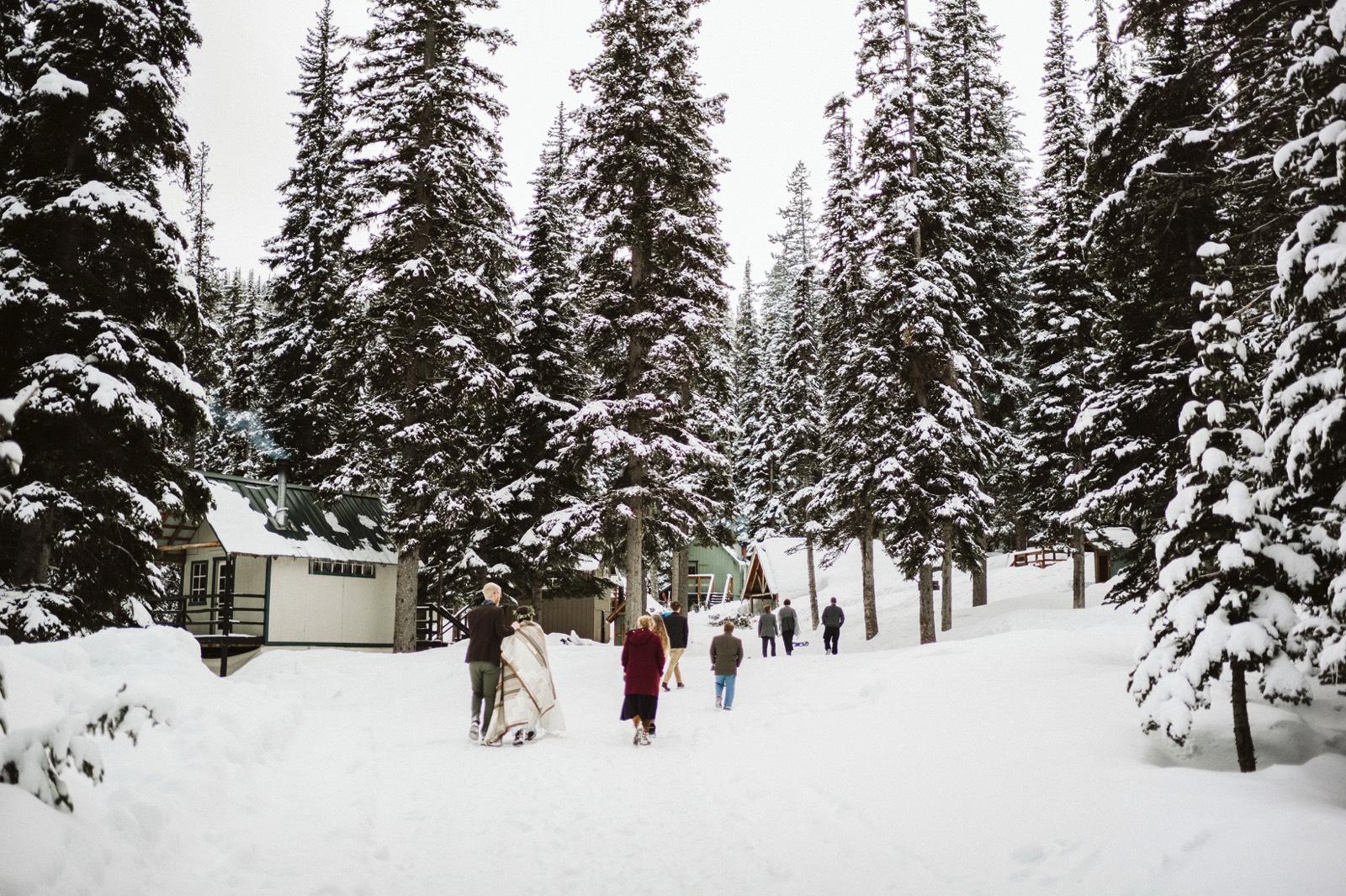 alpine-lakes-high-camp-winter-wedding-75 ALPINE LAKES HIGH CAMP WEDDING